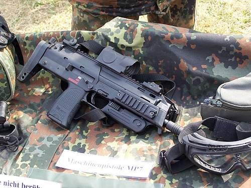 Click image for larger version.  Name:BundeswehrMP7.JPG Views:187 Size:120.8 KB ID:545632