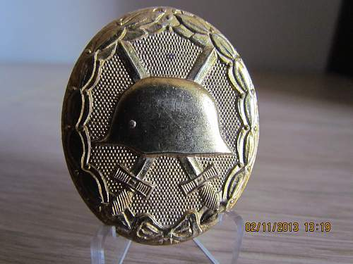 Deumer 57 Gold wound badge