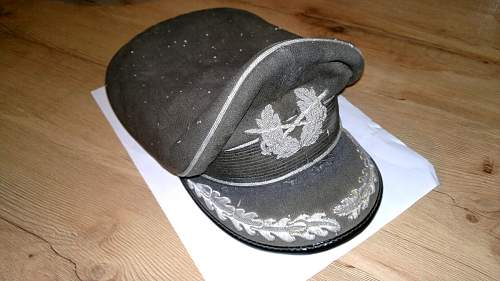 Bundeswehr (?) officers cap