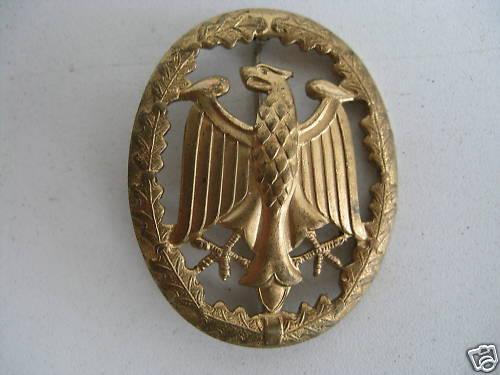 Eagle crest with oak leaves badge
