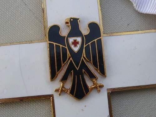Post War DRK neck award...............