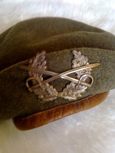 What kind of beret is this?
