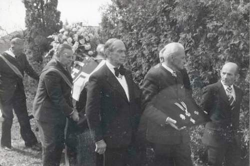 Click image for larger version.  Name:Funeral of Wilhelm Bittrich - the man in the middle is Korbinian Viechte.jpg Views:1465 Size:108.7 KB ID:692463