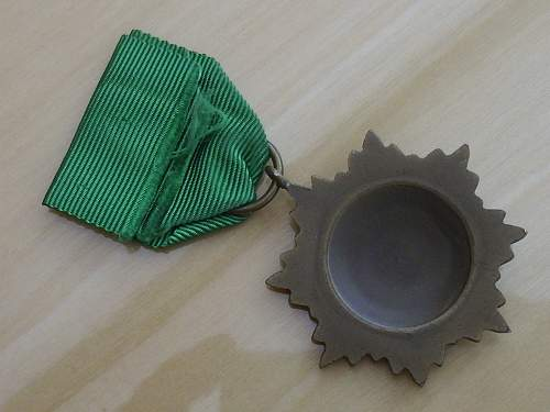 Post war Ostvolk Medal 2nd Class in bronze..............