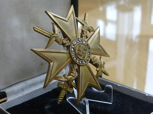 Souval Spanish Cross in Gold with Diamonds................
