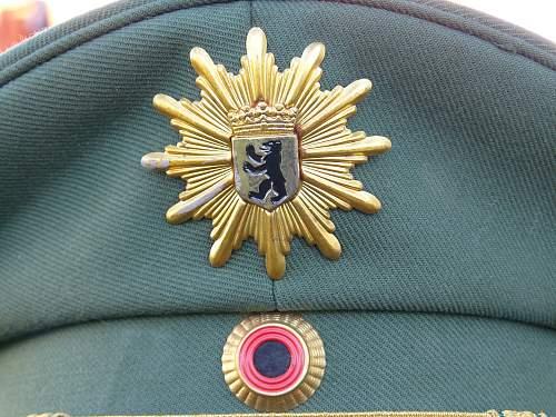 Shirmmutze Kommander Der Schutzpolizei ?