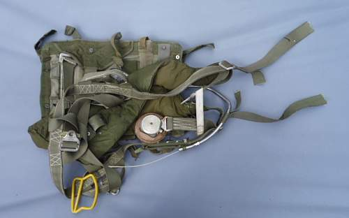 bundeswehr parachute harness with bag