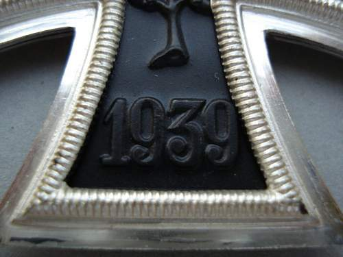 Distinguishing early/late 57er hardware...