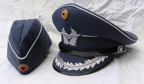 Click image for larger version.  Name:Bundesluftwaffe officer's visor cap 003.jpg Views:215 Size:224.0 KB ID:953157
