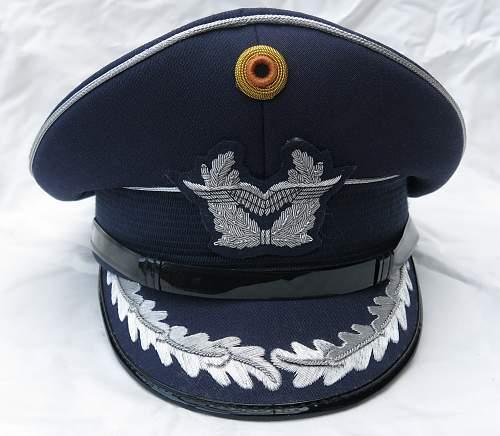 Click image for larger version.  Name:Bundesluftwaffe officer's visor cap 006.jpg Views:17 Size:219.6 KB ID:953159