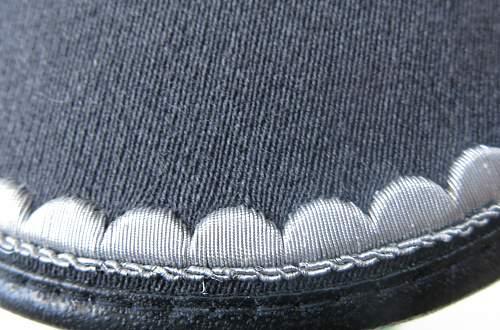 Click image for larger version.  Name:Bundeswehr junior officer Heer visor cap 008.jpg Views:47 Size:230.9 KB ID:953166