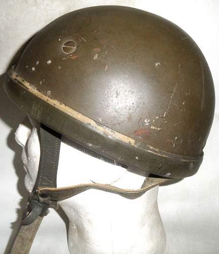 Click image for larger version.  Name:GE BRD Stahlhelm der Luftlandetruppe Versüchsmodell Schuberth left.jpg Views:10 Size:218.6 KB ID:957309