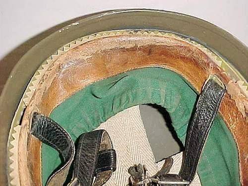 Click image for larger version.  Name:GE BRD Stahlhelm der Luftlandetruppe Versüchsmodell LS Kalotte  in front.jpg Views:41 Size:58.5 KB ID:957322