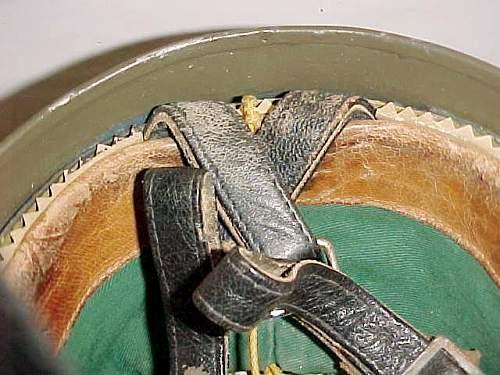 Click image for larger version.  Name:GE BRD Stahlhelm der Luftlandetruppe Versüchsmodell LS Kalotte  in rear.jpg Views:59 Size:56.7 KB ID:957323