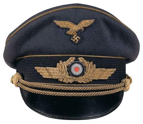 Luftwaffe Schirmmutze help.....General Officer