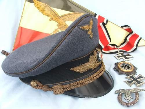 Click image for larger version.  Name:Luft general officer visor cap 005.jpg Views:11 Size:222.4 KB ID:1108197