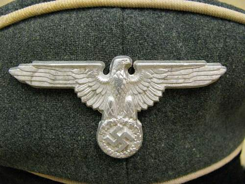 Click image for larger version.  Name:WAFFEN SS VISOR CAP (2).jpg Views:150 Size:71.0 KB ID:117337