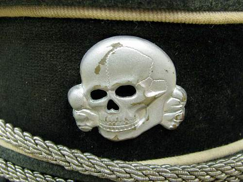 Click image for larger version.  Name:WAFFEN SS VISOR CAP (3).jpg Views:139 Size:61.5 KB ID:117338