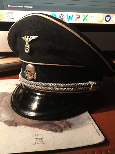 Visor Cap Buttons parts Help! Silver Pebble Buttons? Looking for info please