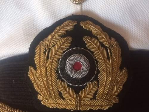 This KriegsMarine cap looks fake, do you agree ?
