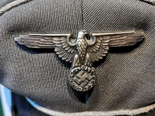 SS Officers Cap - Please assist.