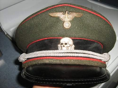 Please help me identify this hat