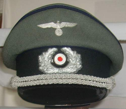 Private purchase medical NCO cap for rank of Unterarzt