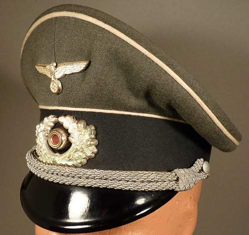 Original EREL Officer Visor ???