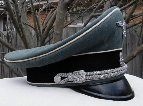 Click image for larger version.  Name:WSS officers visor late war 018.JPG Views:85 Size:209.5 KB ID:242817