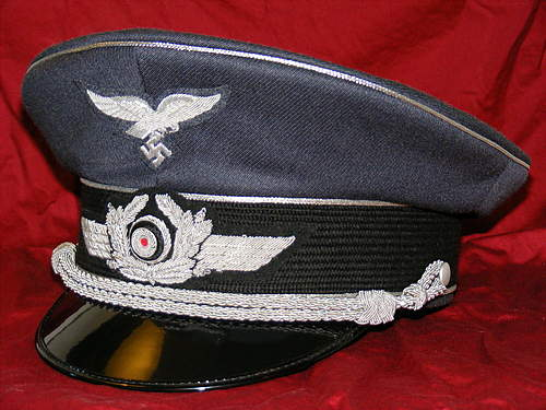 Click image for larger version.  Name:Luftwaffe_Officer_Visor_by_Syd_chan.jpg Views:50 Size:193.6 KB ID:386012