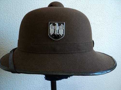 Click image for larger version.  Name:capacete-alemo-tropical-afrika-korps-dak-original_MLB-F-3209682596_092012.jpg Views:72 Size:191.1 KB ID:418463