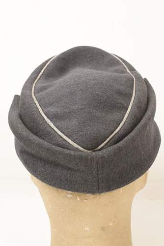 Click image for larger version.  Name:4CULUFTWAFFEMODEL43OFFICERCAP.jpg Views:39 Size:187.0 KB ID:535711