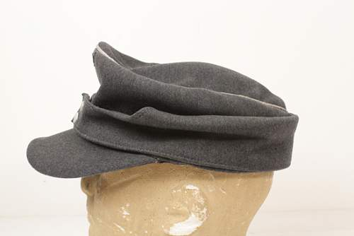 Click image for larger version.  Name:3CULUFTWAFFEMODEL43OFFICERCAP.jpg Views:29 Size:169.2 KB ID:535712