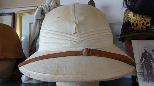 Kriegsmarine Tropenhelm (Pith Helmet), Opinions needed please