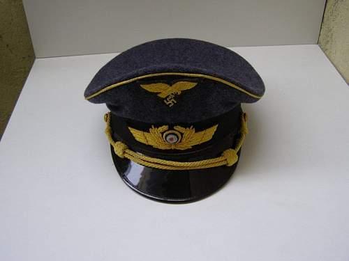 Click image for larger version.  Name:lot 255 generals cap michael bowman 7th dec 2013.jpg Views:84 Size:64.5 KB ID:606798