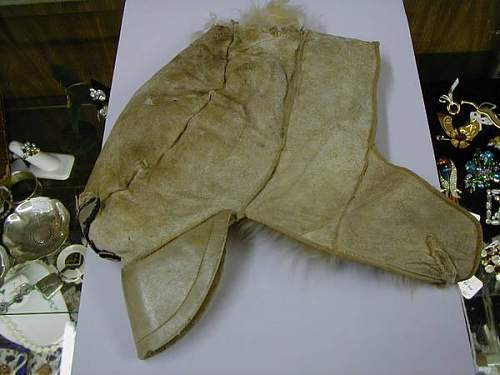 Click image for larger version.  Name:Fur cap a.jpg Views:24 Size:32.5 KB ID:613140