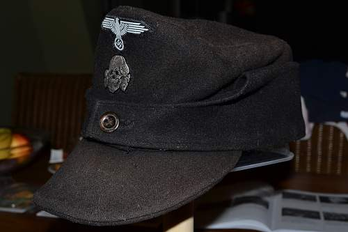 Black Pz. SS M43 cap one button. (Wittmann-style)