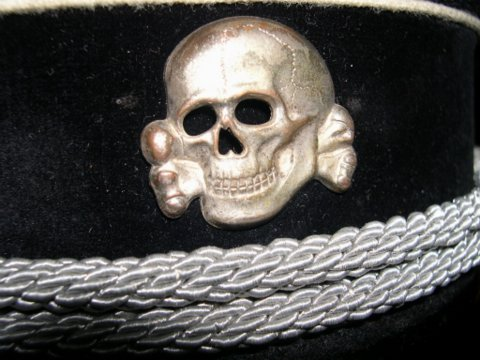 Waffen-SS yellow-piped officer visor - real ?