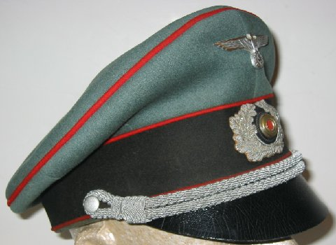 What is this hat? Info please !