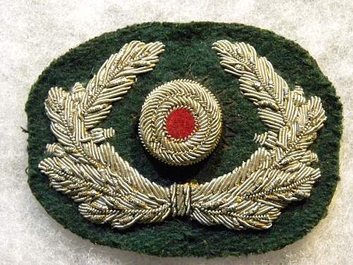 question on bullion wreath and chin strap ?
