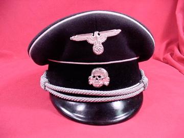 Name:  late Mueller front fake badges.jpg Views: 155 Size:  48.0 KB