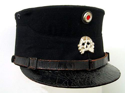 Click image for larger version.  Name:early SS kepi.jpg Views:39 Size:41.1 KB ID:800142
