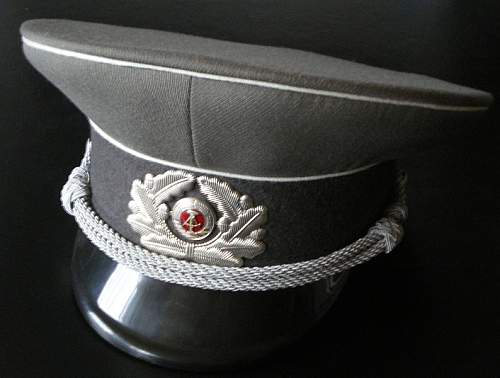 Click image for larger version.  Name:NVA_Offiziersmütze.jpg Views:13 Size:103.2 KB ID:815727