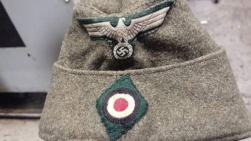 Question on M34 Heer overseas cap.