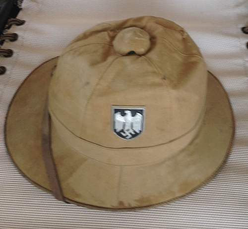 Kriegsmarine or Heer tropenhelm (pith helmet)? Let me know if I should post in steel helmet forum