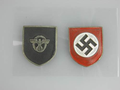 Click image for larger version.  Name:o_ww2-german-army-police-pith-helmet-insignia-5ec5.jpg Views:81 Size:121.1 KB ID:892582