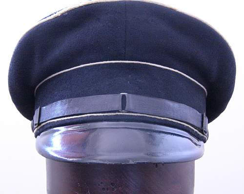 Novice needs advice! Waffen SS schirmutze: Real or Fake?