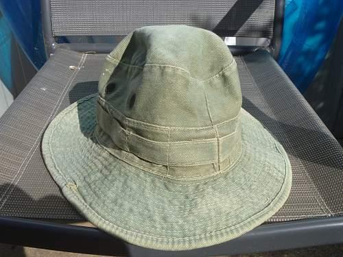 British jungle giggle hat ?