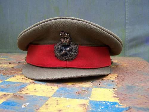 general's visor cap for identification