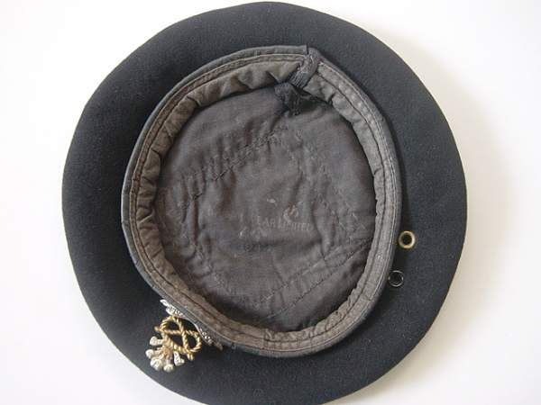 Click image for larger version.  Name:Black Royal Armoured Corps berets 003.jpg Views:205 Size:143.3 KB ID:19070